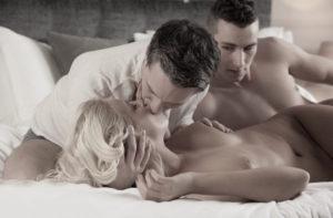 La sodomie c'est bien mais lorsqu'on est en double pénétration c'est encore mieux avec nana du 65